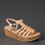 nude bej rengi sandaletler 2011