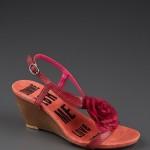 kırmızı güllü sandalet