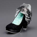 siyah beyaz ayakkabı