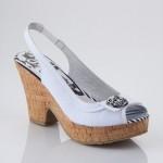 topuklu deri sandaletler